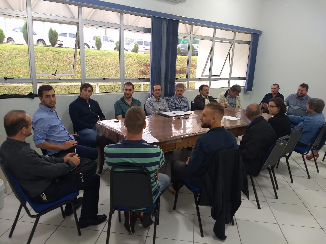 Rodada de negócios integra empresários do ramo de móveis e madeira do Brasil e Argentina