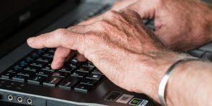 Varejo online: idosos preferem comprar pelo app