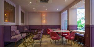 Rehau compõe padaria inspirada em boulangeries francesas na Casa Cor São Paulo