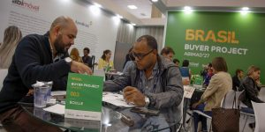 Projeto Comprador na Abimad levou 26 importadores de 19 países
