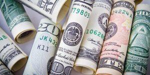 Dólar deve continuar custando R$4,00 no ano que vem