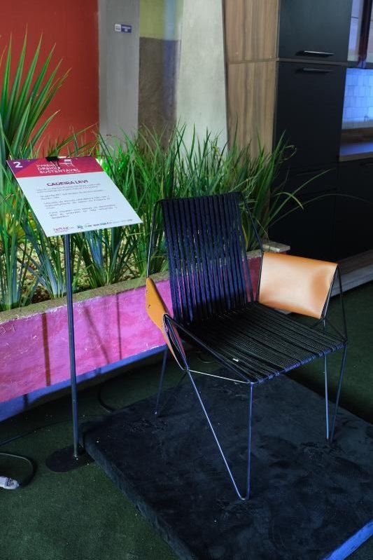 Cadeira Levi - Suprema estofados (Prêmio Design Sustentável)
