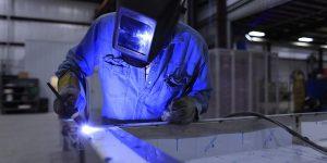 Indústria tem melhor resultado para outubro desde 2012