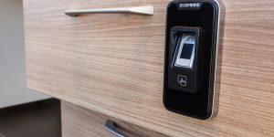 Soprano lança fechadura biométrica para móveis